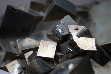 Gesteine und Mineralien im geolog. Museum