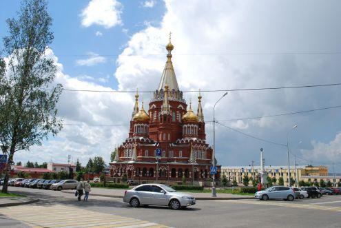 Kirche gegenüber dem Museum