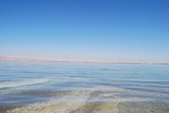 Das Tote Meer hat fast seifigen Charakter...