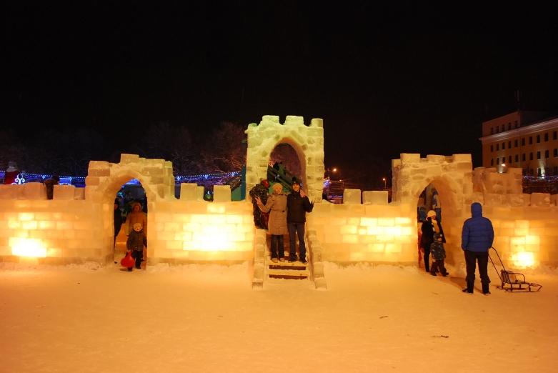 Kleine Burg aus Eis